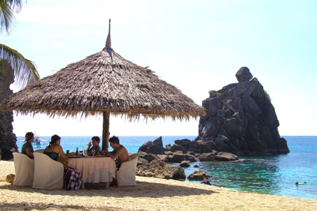 Lunch at Apo Island