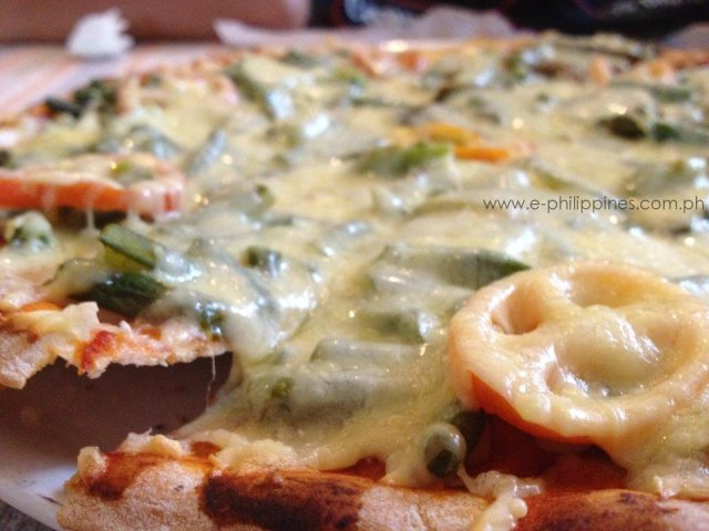 Pinakbet Pizza at Herencia Cafe, Paoay_ posted OCtober 29, 2013
